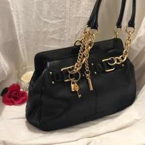 BCBGMAXAZRIA Charlize tote 👜 new with out tag